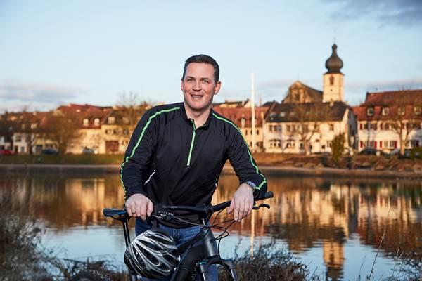 Mit Fahrrad unterwegs - Holger Seidel Bürgermeisterkandidat der Freien Wähler Marktheidenfeld